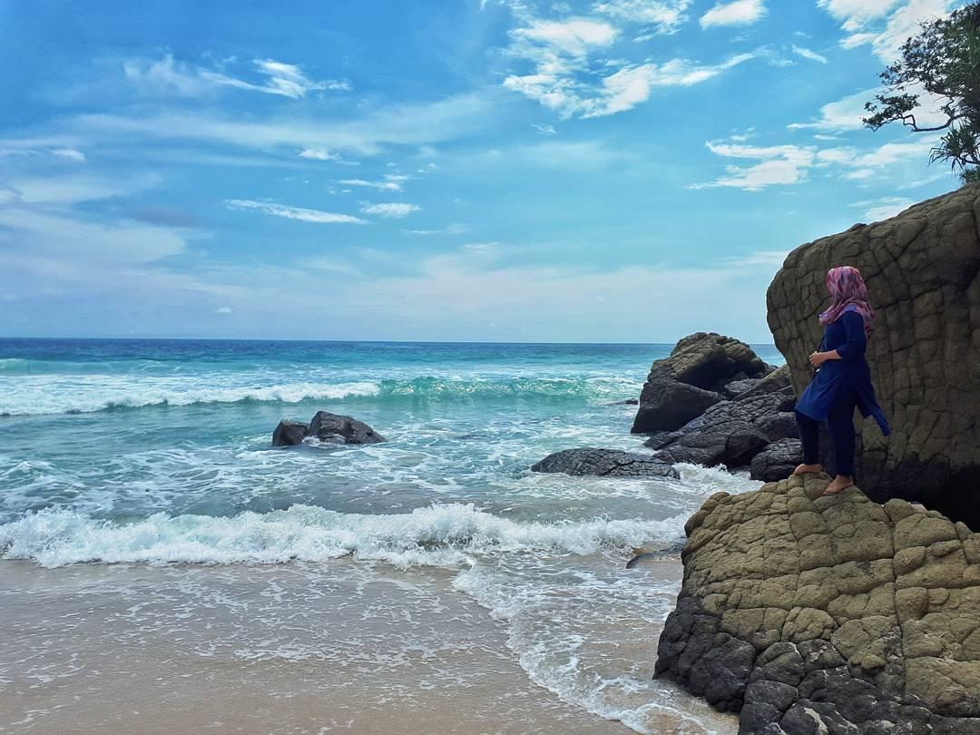 10 Pesona Pesisir Pantai Modangan Malang Udah Tau Dolaners Debur