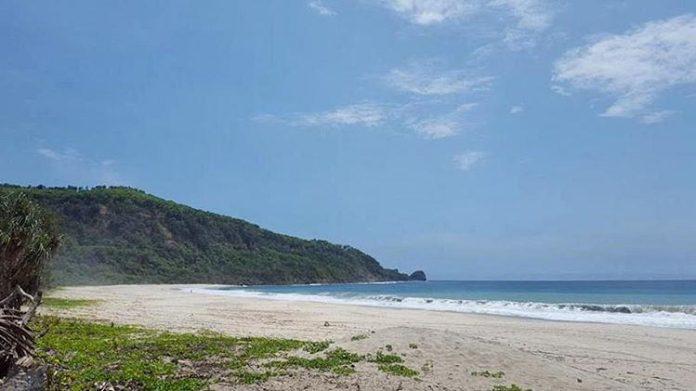 Pantai Modangan Surganya Paralayang Travel Radar Malang Online Kab Spot