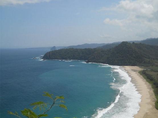 Pesona Pantai Modangan Malang Indah Eksotis Wisata Kab