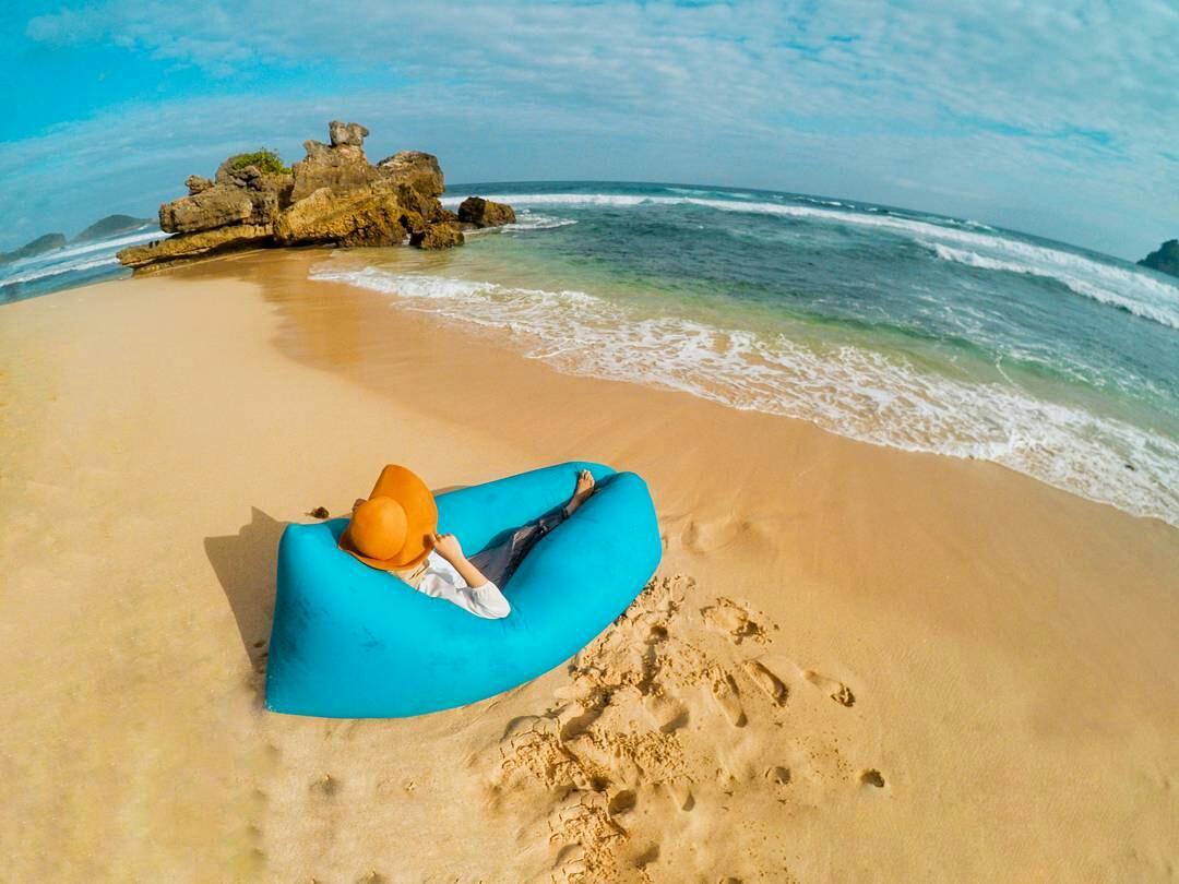 Obyek Wisata Pantai Selok Banyu Meneng Malang Terletak Berdekatan Kondang