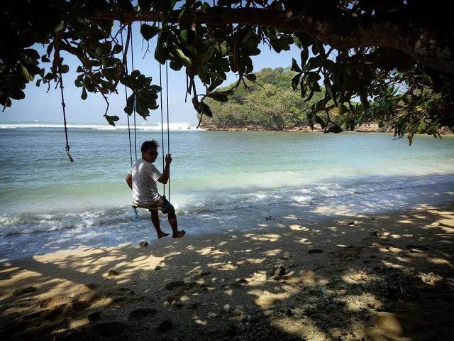 Pantai Banyu Meneng Malang Mempesona Ayunan Selok Kab