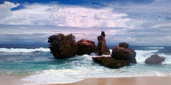 Pantai Selok Rangkaian Elok Malang Selatan Ngalam Beritaseleb Banyu Meneng