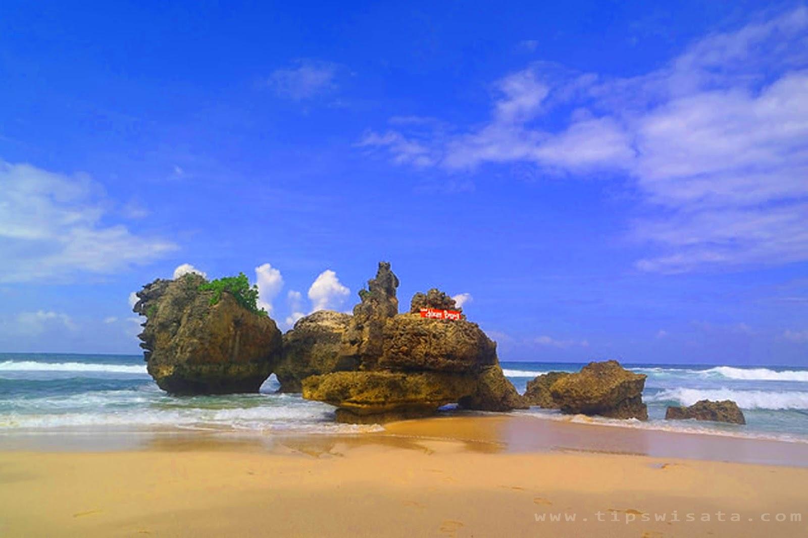 Wisata Pantai Banyu Meneng Selok Malang Kab