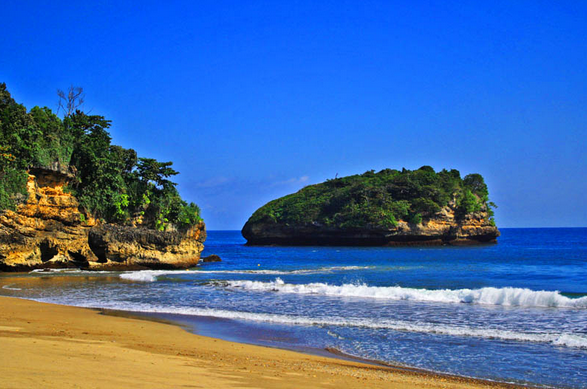 Wisata Pantai Selok Banyu Meneng Salah Satu Terpopuler Malang Aktifitas