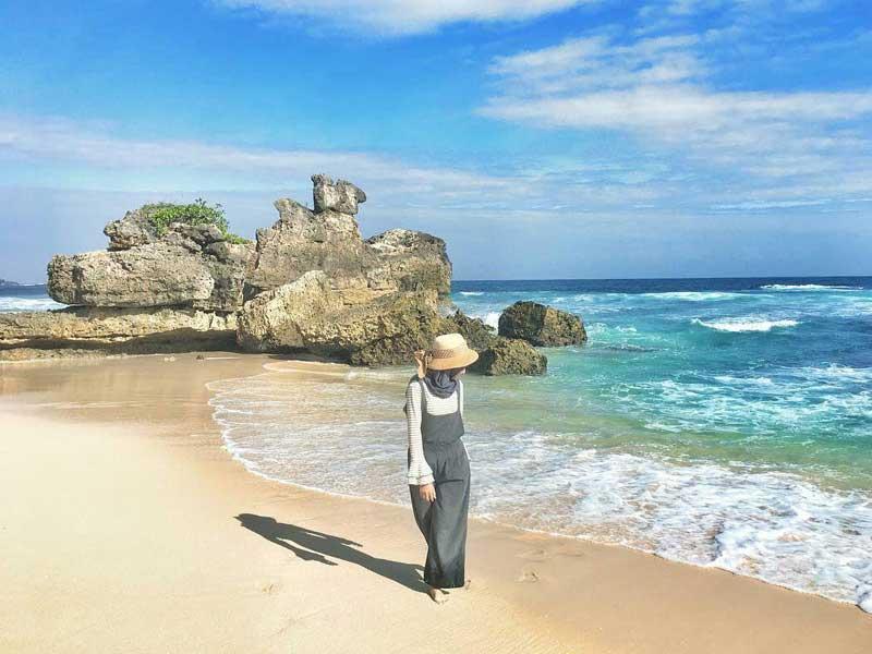 Yuk Mengintip Keindahan Pantai Selok Malang Amazing Banyu Meneng Kab