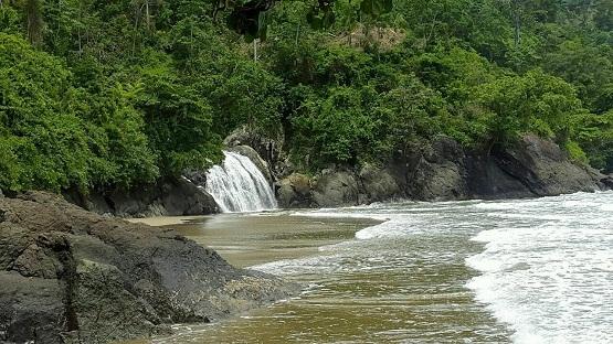 10 Pantai Terindah Malang Pemandangan Alamnya Banyu Anjlok Sipelot Coban