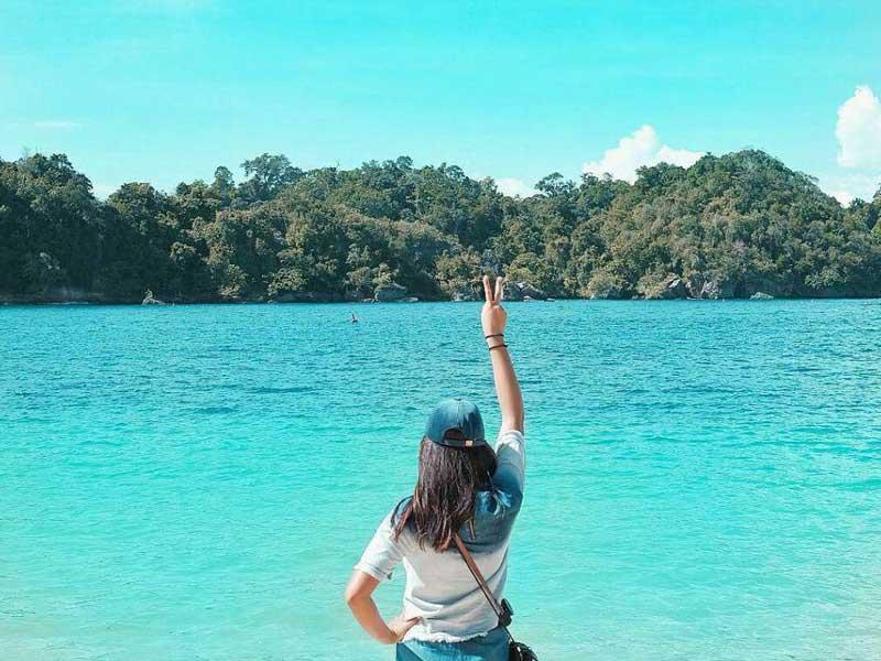 Pantai Sipelot Amazing Malang Indahnya Tiga Warna Coban Kab
