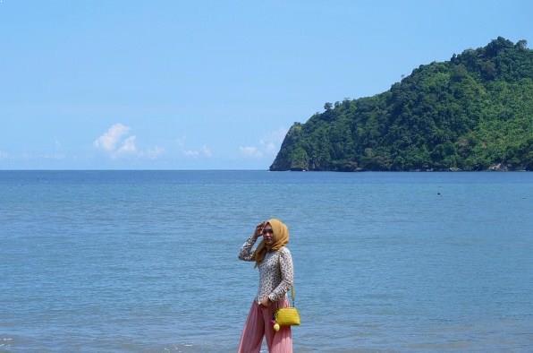 Pantai Sipelot Malang Gratis Eksotis Wisata Tirtoyudo Coban Kab