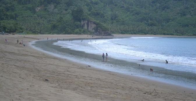 Pantai Sipelot Surga Tersembunyi Sepi Asri Alami Malang Coban Kab