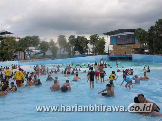 Libur Panjang Travel Perjalanan Kebanjiran Order Harian Bhirawa Ratusan Wisatawan