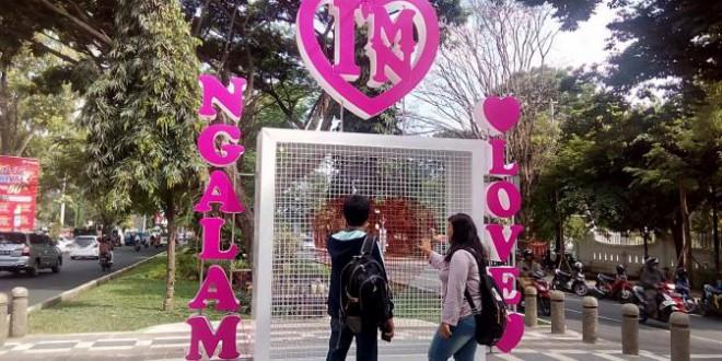 Gembok Cinta Ala Kota Malang Siantar Kapan News Taman Kunang