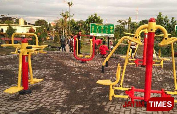Asyik Beragam Alat Fitness Taman Bugar Merjosari Malang Hadirkan Sensasi