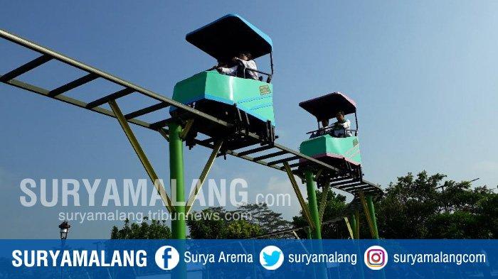 Wali Kota Terlihat Riang Naik Sepeda Udara Taman Singha Merjosari