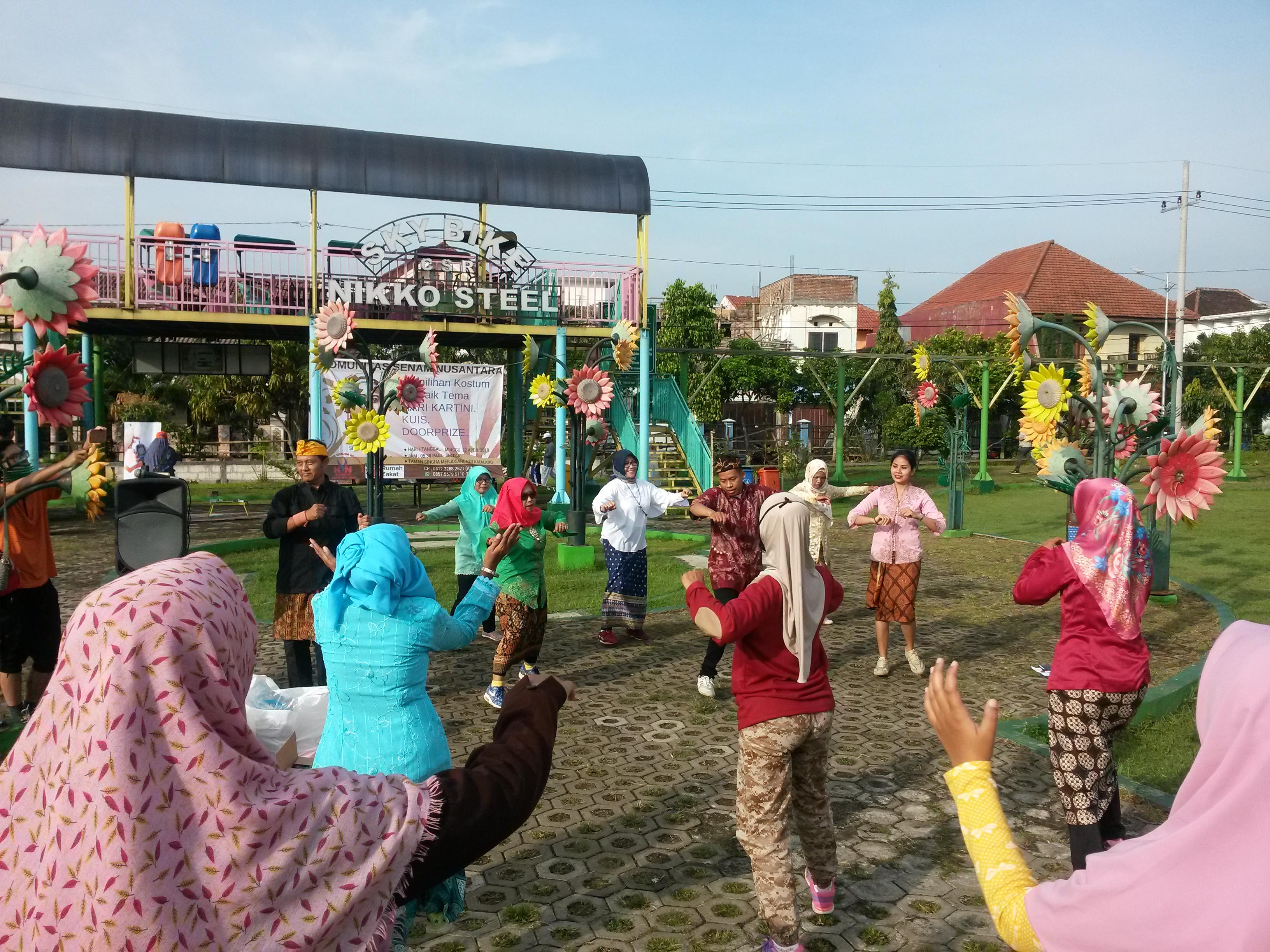 Warta Jambi Peringatan Hari Kartini Ala Komunitas Senam Nusantara Rumah