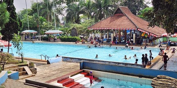 10 Kolam Renang Malang Yg Tiket Masuknya Dibawah Rp 50