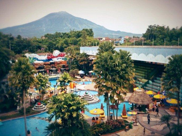 Taman Rekreasi Sengkaling Ixotrans Terletak Tepi Sungai Brantas Desa Kecamatan