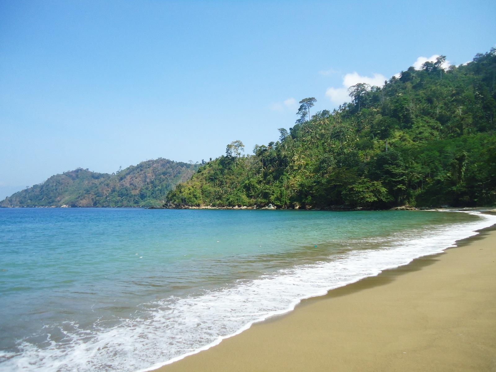 27 Wisata Pantai Hits Malang Deketin Sipelot Teluk Bidadari Mbehi