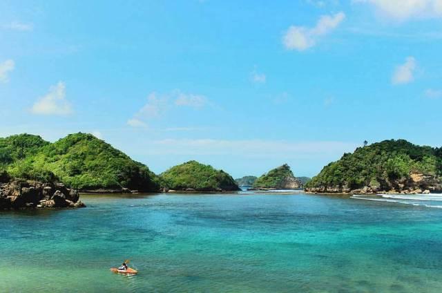 3 Teluk Tersembunyi Malang Badrul Mozila Bidadari Pantai Mbehi Kab