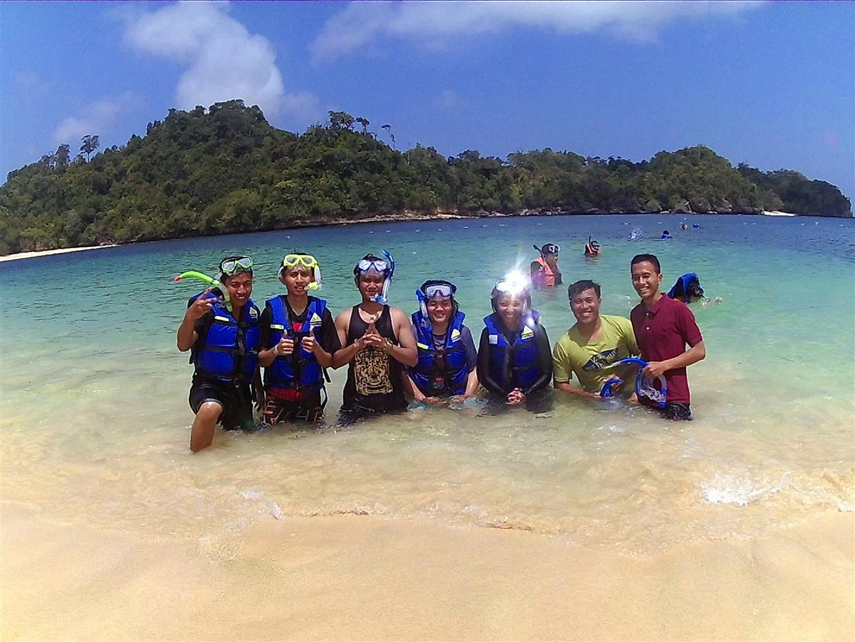 Pantai Tiga Warna Malang Surga Snorklingnya Langkah Kecilku Teluk Bidadari