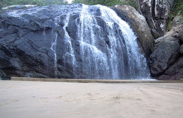 Wisata Lima Pantai Berair Terjun Pulau Jawa Malang Nggak Timur