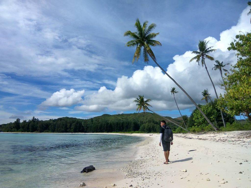 Keindahan Bahari Maluku Destinasi Pergantian Pantai Jikumerasa Itawaka Kab Tengah