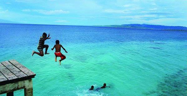 Pariwisata Saparua Wisata Nostalgia Turis Eropa Glestradio Sepuluh Pascakonflik Maluku