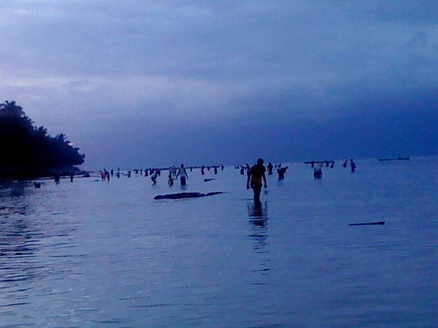 Titawaka Juni 2011 Ketika Bamabeti Musim Penghujan Pantai Itawaka Kab