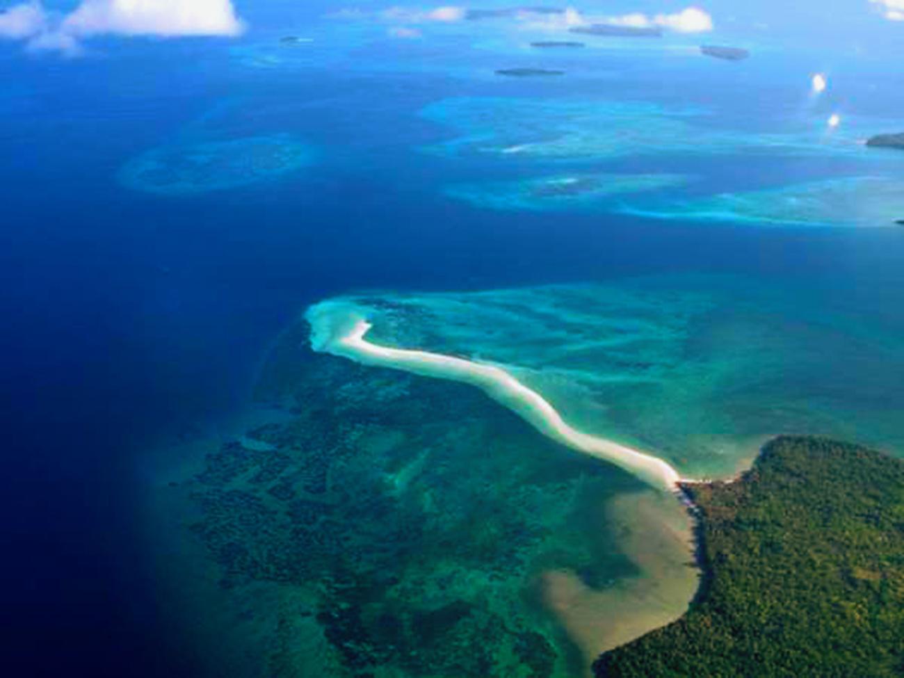 10 Tempat Wisata Maluku Terindah Terkenal Lihat Id Kepulauan Kei