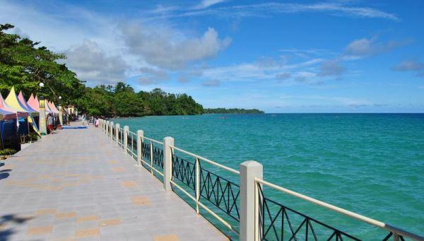 Demografi Maluku Colour Indonesia Pantai Natsepa Kota Ambon Wasisil Kab