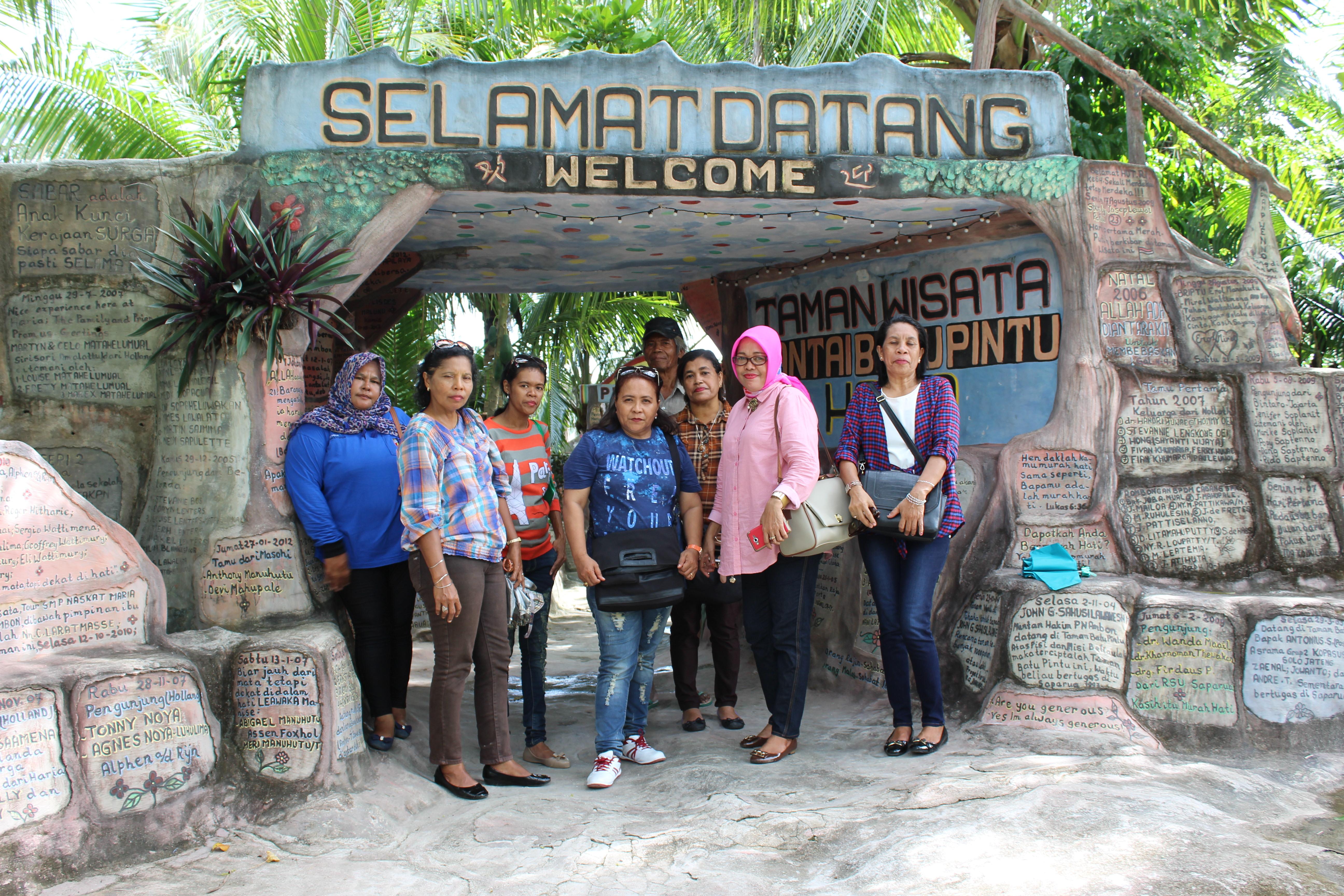 Kecamatan Saparua 3 Pantai Wasisil Kab Maluku Tengah