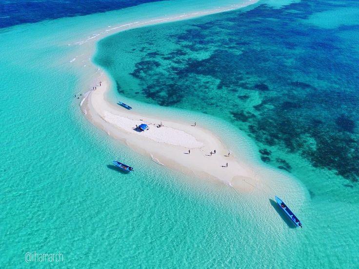 Molana Saparua Maluku Key Island Beach Pinterest Indonesia Islands Dream