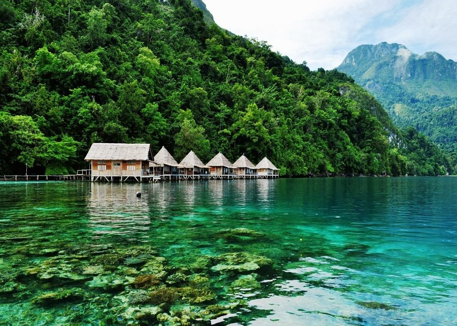 Sejuta Pesona Maluku Tengah Requisitoire Magazine Pantai Wasisil Kab