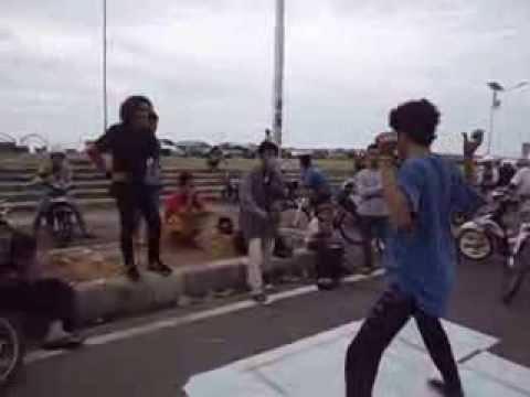 Anjungan Pantai Manakarra Mamuju Youtube Kab