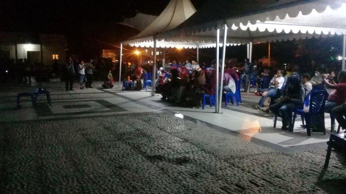 Dukung Cici Gunarsih Warga Mamuju Nobar Lida Anjungan Pantai Manakarra