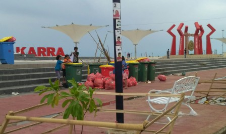Gerakan Mamuju Mapaccing Maksimal Terassulbar Kondisi Anjungan Pantai Manakarra Sampah