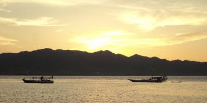Pantai Manakarra Teluk Mamuju Celebes Senja Sulawesi Barat Kab