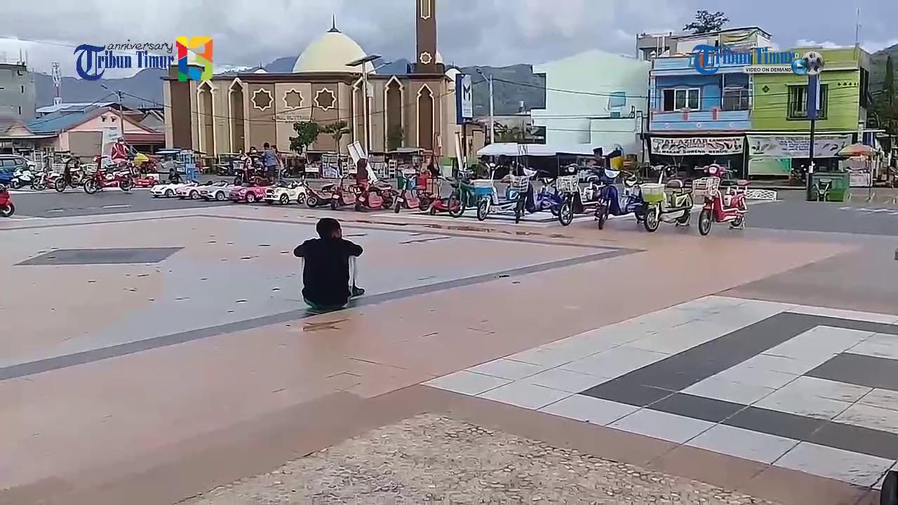 Suasana Anjungan Pantai Manakarra Mamuju Sulbar Youtube Kab