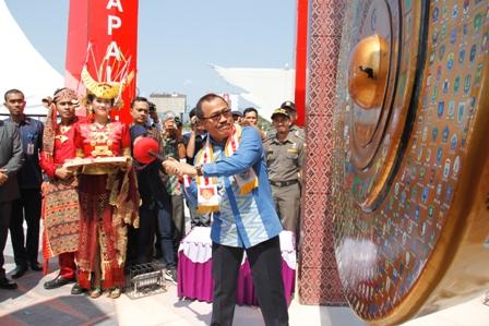 Yayasan Karampuang Anjungan Pantai Manakarra Menjadi Ikon Daerah Mamuju Sukses