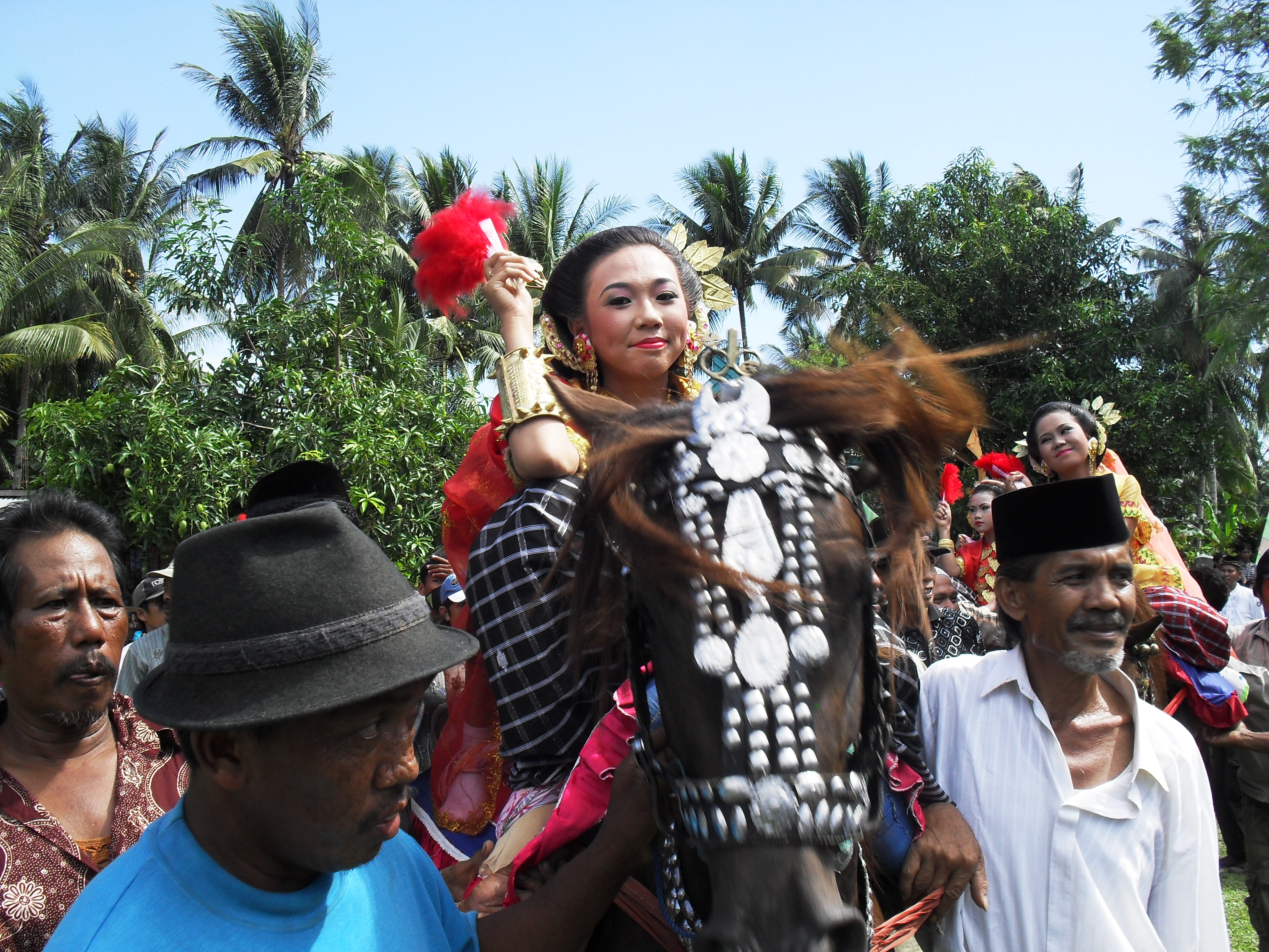 Budaya Mandar Sayyang Pattu Du Menjuarai Pentas Nasional Iklan Pesta