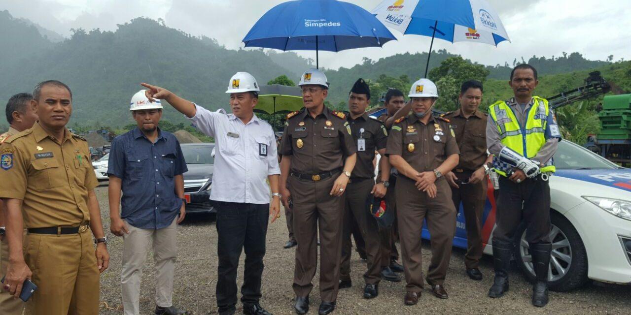 Kajati Sulselbar Kunjungi Pembangunan Bendung Irigasi Kalukku Pesta Pattudu Kab