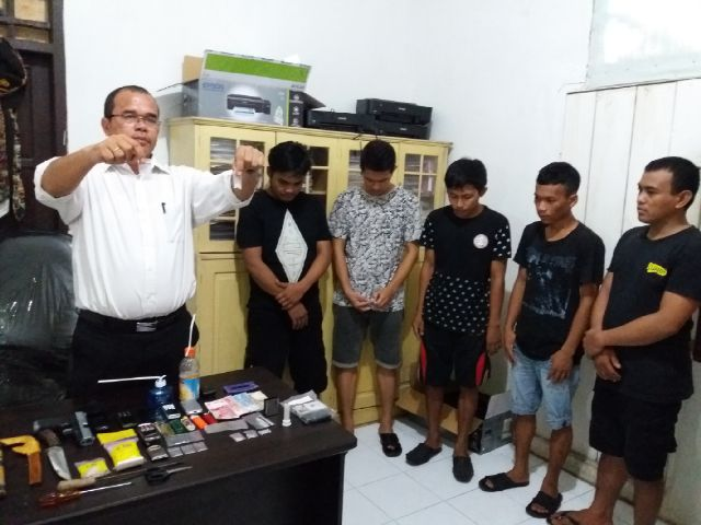 Polres Mamuju Tangkap 5 Pengedar Narkoba Poros Sulbar Pesta Pattudu