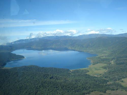 Danau Anggi Atas Pegunungan Arfak Manokwari Paninggih Berada Kepala Otak