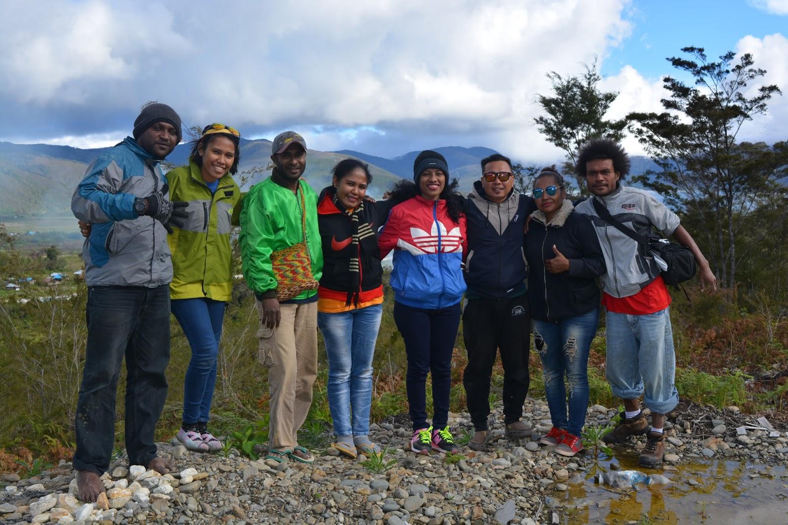 Daniel Naury Pesona Keindahan Alam Pegunungan Arfak Papua Barat Menggunakan