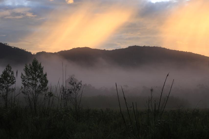 Misteri Sepasang Danau Indah Pegunungan Arfak Situasi Sunrise Cagar Alam