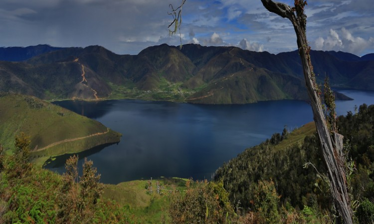 Sepasang Danau Indah Pegunungan Arfak Arfaknews Cagar Alam Kab Manokwari