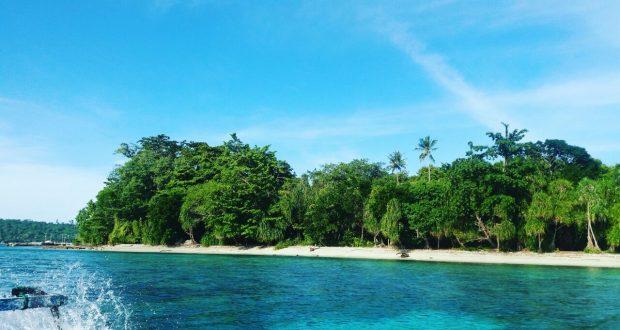 Keindahan Pasir Putih Pantai Salobar Pulau Mansinam Manokwari Berita Daerah