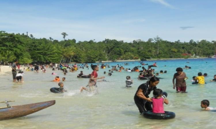 Pantai Pasir Putih Berpotensi Dongkrak Pad Manokwari Arfaknews Pulau Mansinam