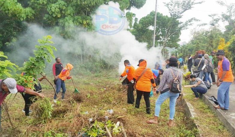 Sambut Hut Pi Ribuan Masyarakat Manokwari Kompak Jumat Bersih Melakukan