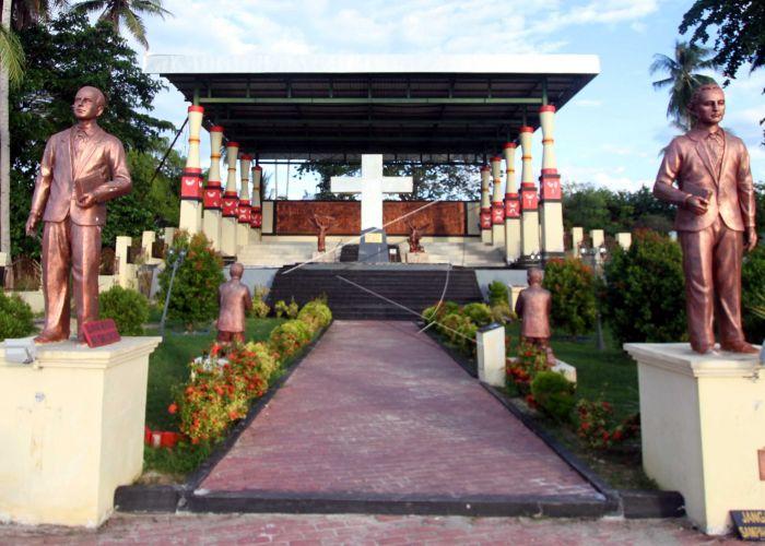 Sejarah Perkabaran Injil Papua Monumen Salib Sebagai Simbol Kedatangan Ottouw
