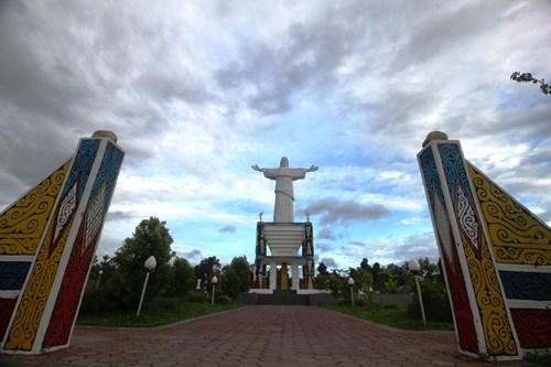 Wisata Religi Pulau Mansinam Manokwari Jalanjalan Patung Jesus Kristus Kab